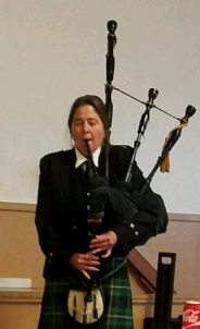 bagpiping-at-kents-dad-freds-memorial